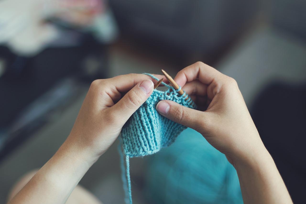 編み物初心者も簡単!手編みで作る手芸用品7選