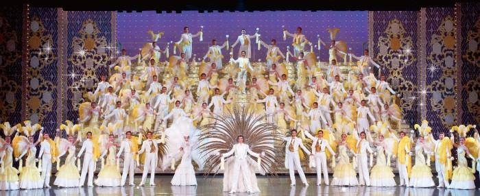楽しみ方たくさん!宝塚で一度は観ておきたい公演3選